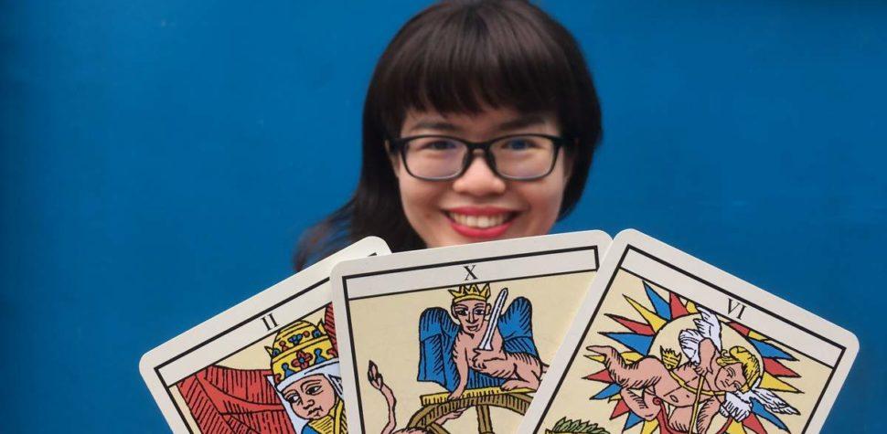 singapore tarot card reader
